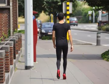 MEHDI-GEORGES LAHLOU Walking 30km with red high heel shoes between 2 art spaces | 200